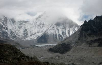 Our first views of the Khumbu Glacier. Follow this around to the right and you'll hit basecamp. Photo: Marg Harrington